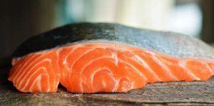 salmon a las finas hiervas