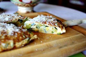 tortilla de calabacin y parmesano en estuche lekue